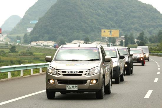อีซูซุดีแมคซ์ รุ่นใหม่หมด น้ำมันถังเดียว เที่ยวจีน 3 มณฑล