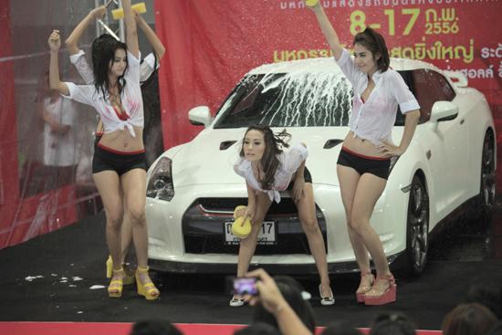 ไทยแลนด์ มอเตอร์ เฟสติวัล 2013 SEXY CAR WASH  FHM GND
