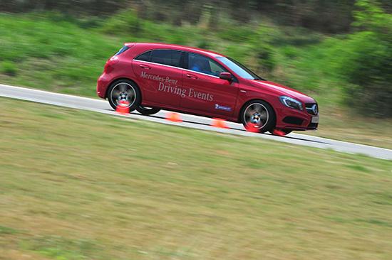 ทดสอบ A250 AMG sport Mercedes-Benz A-Class Driving Experience 2013