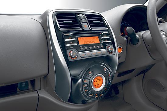 นิสสัน มาร์ช ใหม่ New Nissan March 2013