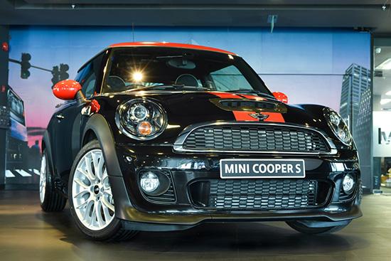 MINI Cooper S JCW Package รุ่นลิมิเต็ด