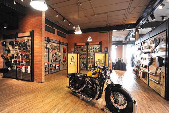 ฮาร์เล่ย์-เดวิดสัน พระราม9 Harley-Davidson of Bangkok Rama IX Showroom