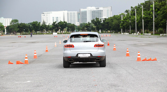 Testdrive Porsche Macan 2014,Testdrive Porsche Macan,ทดสอบรถ Porsche Macan,ทดลองขับ Porsche Macan,ลองขับ Porsche Macan,ทดสอบรถ,ทดสอบรถปอร์เช่ มาคันน์,ทดลองขับ Porsche Macan,ลองขับปอร์เช่ มาคันน์,ราคาปอร์เช่ มาคันน์,ราคา Porsche Macan,review Porsche Macan,รีวิวปอร์เช่ มาคันน์,Macan Driving Experience