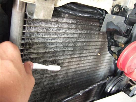 วิธีดูแลหม้อน้ำ,วิธีดูแลหม้อน้ำรถยนต์,หม้อน้ำรถยนต์,ล้างหม้อน้ำ,ฝาหม้อน้ำ,ถังน้ำสำรอง,ระบบหล่อเย็น,น้ำยาหล่อเย็น,ความร้อนหม้อน้ำ,การดูแลหม้อน้ำ,ตรวจเช็กหม้อน้ำ,วิธีการดูแลรักษาหม้อน้ำ,น้ำยาล้างหม้อน้ำ