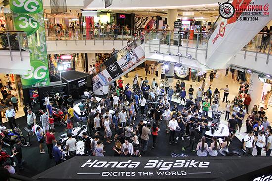 BMF 2015,แบงค์ค็อก มอเตอร์ไบค์ เฟสติวัล 2015,BMF 2015 เซ็นทรัล เวิลด์,Bangkok Motorbike Festival 2015,เทศกาลมอเตอร์ไซค์,งานบิ๊กไบค์ ที่เซ็นทรัล เวิลด์,Bangkok Motorbike Festival,Honda Bigbike,Kawasaki,KTM,MV Agusta,Ducati,Yamaha,A.P. Honda,รถบิ๊กไบค์