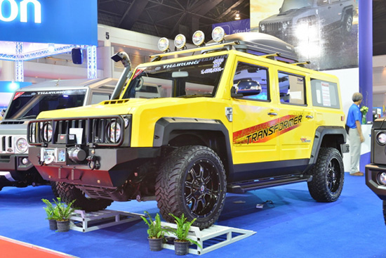 ไทยรุ่งฯ ผู้นำการออกแบบและผลิตรถยนต์อเนกประสงค์ของไทย  เปิดตัวรถยนต์รุ่นใหม่ TR TRANSFORMER MAX ซึ่งเป็นรถยนต์ตรวจการณ์หลังคาทรงสูง กว้าง โปร่ง โล่ง สบาย ทุกที่นั่ง พร้อมพื้นที่บรรทุกสัมภาระ กว้างสุด...เหนือใคร เพื่อให้เป็นรถยนต์ที่มีประโยชน์ใช้สอยสูงสุด ด้วยขนาดตัวถังและห้องโดยสารที่กว้างกว่ารถทั่วไปในระดับเดียวกัน สามารถจัดรูปแบบที่นั่งได้หลากหลาย ตั้งแต่ 5 – 11 ที่นั่ง และสามารถดัดแปลงให้ใช้งานได้หลายรูปแบบ เช่น รถพยาบาลฉุกเฉินภาคสนาม รถบรรเทาสาธารณะภัย รถควบคุมระบบสื่อสาร เป็นต้น อนาคต สามารถขยายตลาดไปยังประเทศในกลุ่ม AEC พร้อมเปิดตัวในงาน Bangkok International MotorShow ครั้งที่ 36 ตั้งแต่วันนี้ – 5 เมษายน 2558