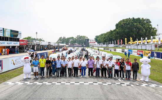 Honda Jazz One Make Race,ยางคึมโฮ,ยางคึมโฮ V720,Grand Prix Racing League 2015,ยาง Kumho,ยาง Kumho V720,อภิชัย ตั้งวงศ์ศิริ,ต.สยาม คอมเมอร์เชียล