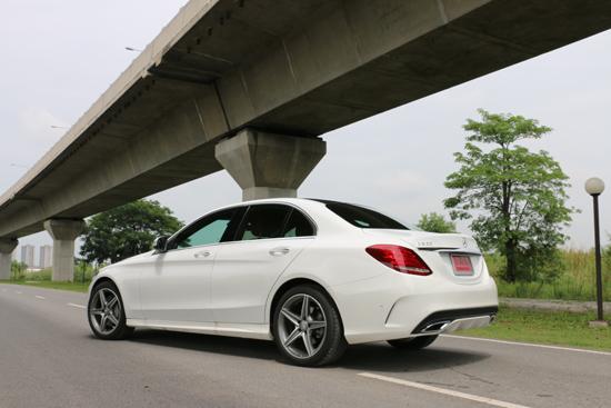 รีวิวรถใหม่ Mercedes -Benz C300 BlueTEC HYBRID AMG Dynamic,ทดสอบรถ C300 BlueTEC HYBRID AMG Dynamic,รีวิวรถใหม่ C300 BlueTEC HYBRID AMG Dynamic,ทดลองขับ ใหม่ C300 BlueTEC HYBRID,ทดสอบรถ C300 BlueTEC HYBRID,ทดสอบรถ Mercedes –Benz,รีวิวรถใหม่เมอร์เซเดส-เบนซ์
