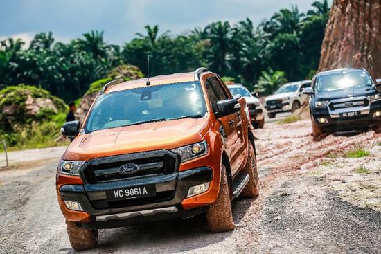"""ฟอร์ด เรนเจอร์ คว้ารางวัล """"รถกระบะแห่งปี"""" ในงาน ASEAN Car of the Year Award,ASEAN Car of the Year Award,รถกระบะแห่งปี,รางวัลรถกระบะแห่งปี,Pick-up Truck of the Year,ฟอร์ด เรนเจอร์,ford ranger"""