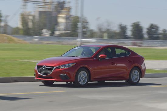 รถที่ประหยัดน้ำมันดีที่สุด,มาสด้าได้รับการจัดลำดับให้เป็นรถยนต์ที่ประหยัดน้ำมันดีที่สุด 3 ปีซ้อนที่สหรัฐอเมริกา