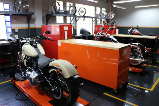 Harley-Davidson Training Center Thailand,Harley-Davidson Training Center,Harley-Davidson Asia Pacific,HARLEY-DAVIDSON UNIVERSITY,ASIA PACIFIC HARLEY-DAVIDSON UNIVERSITY,ASIA PACIFIC HARLEY-DAVIDSON UNIVERSITY thailand,ศูนย์ฝึกอบรม Harley-Davidson พระราม 3,ศูนย์ฝึกอบรม Harley-Davidson,มหาวิทยาลัยฮาร์ลีย์เดวิดสันเอเชียแปซิฟิก,ศูนย์ฝึกอบรมฮาร์ลีย์เดวิดสัน