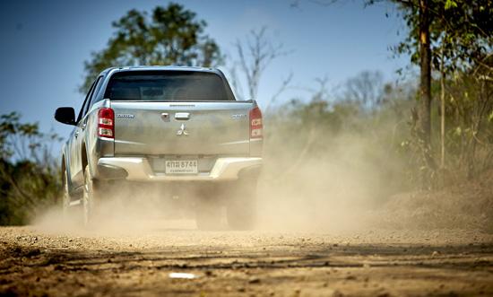 รีวิว Mitsubishi Triton 2016,ทดสอบ Mitsubishi Triton 2016,รีวิว Mitsubishi Triton ใหม่,ทดสอบ Mitsubishi Triton ใหม่,ระบบขับเคลื่อน SUPER SELECT 4WD II,ทดสอบระบบขับเคลื่อน SUPER SELECT 4WD II,เครื่องยนต์ Mivec Clean Diesel, รีวิว Triton 2016,รีวิว Tri