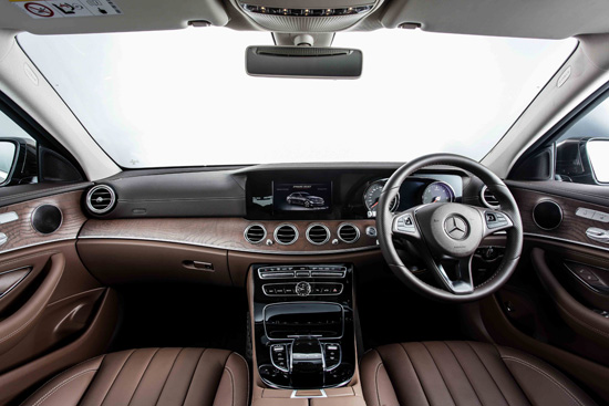 new E-Class เจนเนอเรชั่นที่ 10,The new E-Class,The new E-Class 2016,มอเตอร์โชว์ ครั้งที่ 37,motorshow 2016,บางกอก อินเตอร์เนชั่นแนล มอเตอร์ โชว์ ครั้งที่ 37,แคมเปญเมอร์เซเดส-เบนซ์,เมอร์เซเดส-เบนซ์ รุ่นใหม่,เมอร์เซเดส-เบนซ์ รุ่นใหม่ ในงานมอเตอร์โชว์