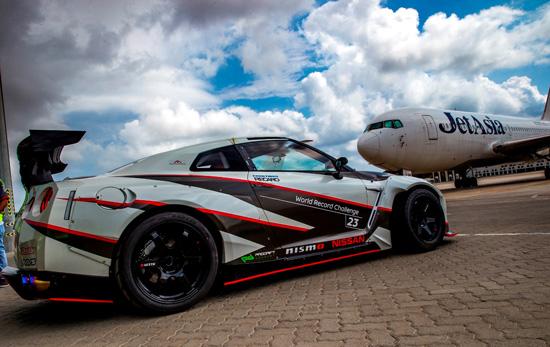 Nissan GT-R,นิสสัน จีที-อาร์,สถิติโลกกินเนสส์ของการดริฟท์ด้วยความเร็วสูงที่สุด,มาซาโตะ คาวาบาตะ,Masato Kawabata,ดริฟท์ ทำลายสถิติโลก,Nissan GT-R ดริฟท์ ทำลายสถิติโลก,Nissan Emperor