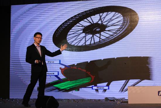 ยางรถจักรยานยนต์,ยางรถจักรยานยนต์ AIR LOCK,AIR LOCK ยางรถจักรยานยนต์,AIR LOCK นวัตกรรมใหม่ทดแทนยางใน,AIR LOCK ล็อคลมสนิท หมดสิทธิ์รั่ว,ชัยสิทธิ์ สัมฤทธิวณิชชา,เอ็น.ดี.รับเบอร์,ยาง AIR LOCK,AIR LOCK คือ,ราคา AIR LOCK
