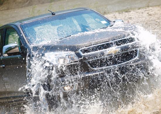 เตรียมรถช่วงหน้าฝน,ขับรถอย่างปลอดภัยในช่วงหน้าฝน,ขับรถหน้าฝน,วิธีขับรถหน้าฝน,การขับรถหน้าฝน,เคล็ดลับขับขี่อย่างปลอดภัย,เคล็ดลับขับขี่รถหน้าฝน,เหินน้ำ,อาการเหินน้ำ