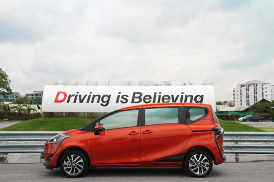 รีวิว Toyota Sienta 1.5 V,รีวิว Toyota Sienta,ทดลองขับ Toyota Sienta,testdrive  Toyota Sienta,ทดสอบโตโยต้า เซียนต้า ใหม่,ทดลองขับโตโยต้า เซียนต้า,คลิปทดสอบ Toyota Sienta,คลิปทดสอบ โตโยต้า เซียนต้า,Toyota Sienta 1.5 V รีวิว,รีวิวรถใหม่