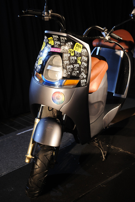 ETARN PROM,รถจักรยานยนต์ไฟฟ้า ETARN PROM,รถจักรยานยนต์ไฟฟ้า,อีทราน ไทยแลนด์,สรณัญช์ ชูฉัตร