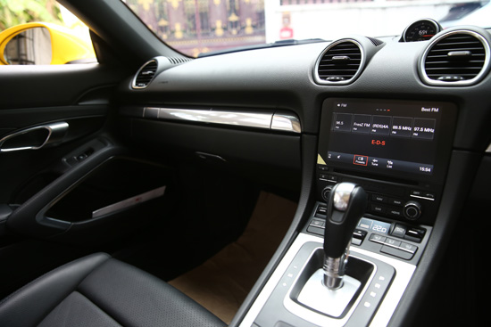ทดลองขับ Porsche 718 Boxster,ทดลองขับ 718 Boxster,ทดสอบ Porsche 718 Boxster,ทดสอบรถ 718 Boxster,รีวิว Porsche 718 Boxster, Porsche 718 Boxster รีวิว,Kaethy The Witch,review 718 Boxster