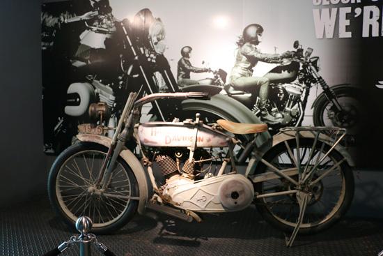 โชว์รูม ฮาร์เล่ย์-เดวิดสัน,AAS Harley-Davidson,AAS Harley-Davidson of Bangkok,ฮาร์เล่ย์-เดวิดสัน   วิภาวดีรังสิต,แบงค็อก ไรเดอร์,อนุวัชร อินทรภูวศักดิ์,โชว์รูม AAS Harley-Davidson of Bangkok,AAS Harley,aasharleybangkok,aasharleybkk