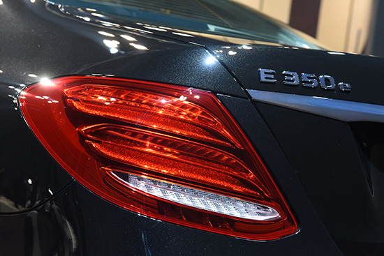 Mercedes-Benz E350e ใหม่,2017 Mercedes-Benz E350e,รถยนต์ปลั๊กอินไฮบริด,E350e AMG Dynamic,E350e Exclusive,E350e Avantgarde,Mercedes-Benz EQ,ราคา Mercedes-Benz E350e ใหม่,ราคา Mercedes-Benz E350e 2017,E350e 9G-TRONIC PLUS,E350e Plug-in Hybrid,Mercedes-