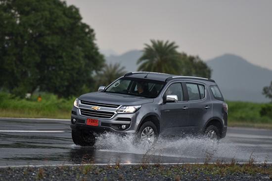 ฝนนี้มั่นใจ เช็ครถปลอดภัยไปกับเชฟโรเลต,เคล็ดลับขับรถขึ้นภูเขา,ขับขี่ปลอดภัย,ตรวจเช็ครถฟรี