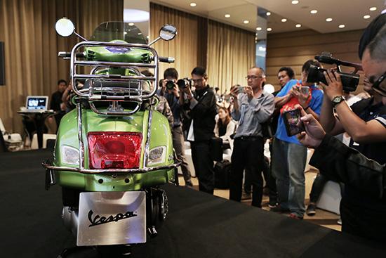 Vespa GTS Super 300 ABS,Vespa GTS,Vespa GTS Super 150 i-Get ABS,Vespa GTS Super 150,Vespa GTS Super 300,Vespa GTS 300,Vespa GTS 150,เวสป้า จีทีเอส ซูเปอร์ 300 ABS,เวสป้า จีทีเอส ซูเปอร์ 150 i-Get ABS,ราคา เวสป้า จีทีเอส ซูเปอร์ 150 i-Get ABS,ราคา เวสป้า จีทีเอส ซูเปอร์ 300 ABS,ราคา Vespa GTS Super 300 ABS,ราคา Vespa GTS Super 150 i-Get ABS