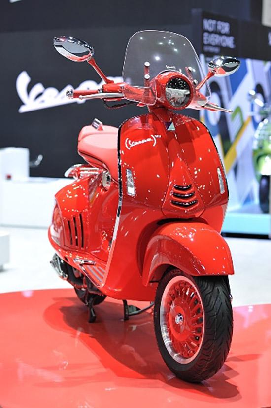 VESPA 946 RED,Moto Guzzi,VESPA 946 ใหม่,Vespa GTS Super 300 ABS Sport Edition,Vespa Primavera 150 i-Get Touring Edition, Moto Guzzi V7 II Stone,MotorExpo 2017