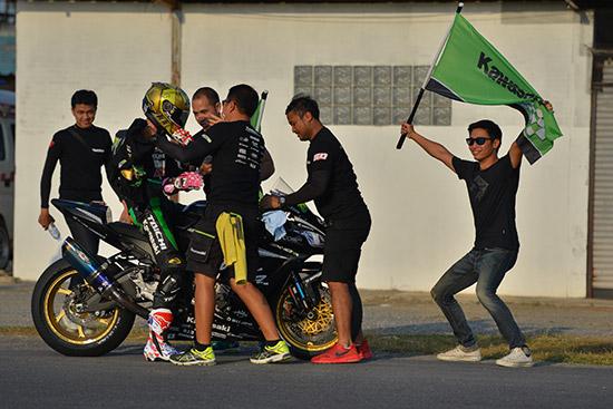 All Thailand SuperBikes Championship 2017,คาวาซากิ เรซซิ่ง ทีม,ฐิติพงศ์ วโรกร,แชมป์ไทยแลนด์ซุปเปอร์ไบค์,กฤษณะ ภาคีแพทย์