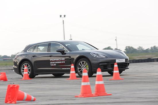 ทดลองขับ Porsche Panamera 4 E-Hybrid Sport Turismo,ทดสอบ Porsche Panamera 4 E-Hybrid Sport Turismo,testdrive Porsche Panamera 4 E-Hybrid Sport Turismo,ทดลองขับPanamera 4 E-Hybrid Sport Turismo,ทดสอบ Panamera 4 E-Hybrid Sport Turismo,testdrive Panamera 4 E-Hybrid Sport Turismo,ทดลองขับ Porsche Panamera,รีวิว Porsche Panamera 4 E-Hybrid Sport Turismo