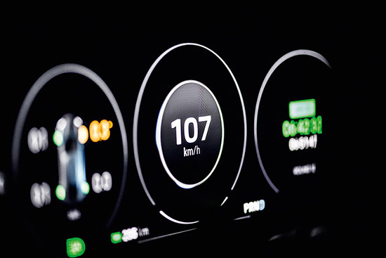 Porsche Mission E Cross Turismo,Mission E Cross Turismo,Geneva Motor Show,ปอร์เช่ มิชชั่น อี ครอส ทัวริสโม่,charging dock,Porsche home energy management system