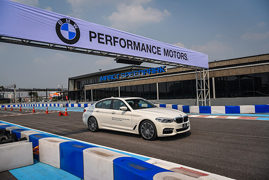 เพอร์ฟอร์แมนซ์ มอเตอร์ส,Performance Motors Presents iPerformance Product Experience,โชว์รูม เพอร์ฟอร์แมนซ์ มอเตอร์ส,โชว์รูม Performance Motors,bmw