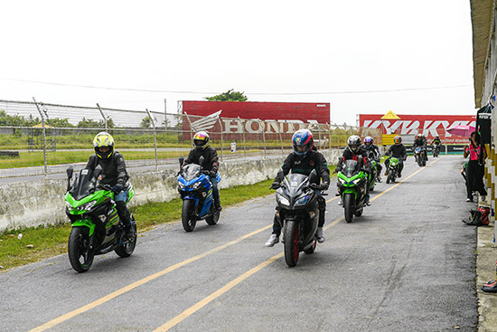 Kawasaki Road Racing Championship 2018,ผลการแข่งขัน Kawasaki Road Racing Championship 2018 สนามที่ 1,ผลการแข่งขัน Kawasaki Road Racing Championship 2018,KRRC 2018,ผลการแข่งขัน KRRC 2018,สนามไทยแลนด์ เซอร์กิต