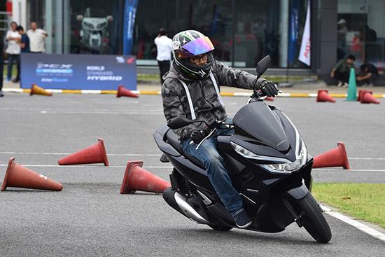 ทดลองขับ New Honda PCX Hybrid,ทดลองขับ PCX Hybrid,ทดสอบ New Honda PCX Hybrid,ทดสอบ PCX Hybrid,ทดลองขับ Honda PCX Hybrid,ทดสอบ Honda PCX Hybrid,PCX Hybrid ขับดีไหม,Honda PCX Hybrid ใหม่,ราคา PCX Hybrid,รีวิว New Honda PCX Hybrid,รีวิว PCX Hybrid ใหม่