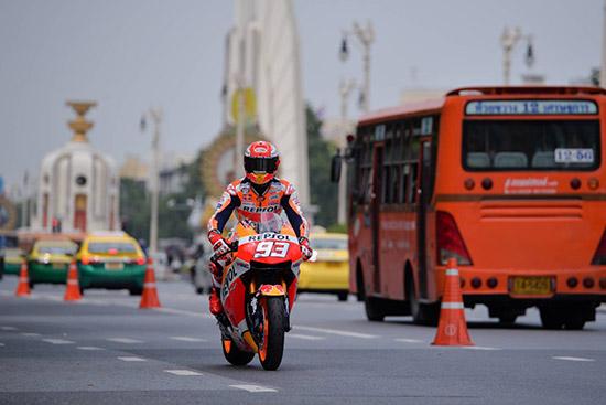 มาร์ค มาร์เกซ,Marc Marquez,MarcMarquez93,MM93,Marquez,บุรณิน รัตนสมบัติ,การท่องเที่ยวแห่งประเทศไทย,สมเกียรติ จันทรา,ตนัยศิริ ชาญวิทยารมณ์,สนามช้าง อินเตอร์เนชั่นแนล เซอร์กิต จ.บุรีรัมย์,PTT Thailand Grand Prix 2018,MotoGp,MotoGp Thailand,MotoGp 2018,MotoGp 2018 Thailand,Thailand MotoGp 2018,พีทีที ไทยแลนด์ กรังด์ปรีซ์ 2018