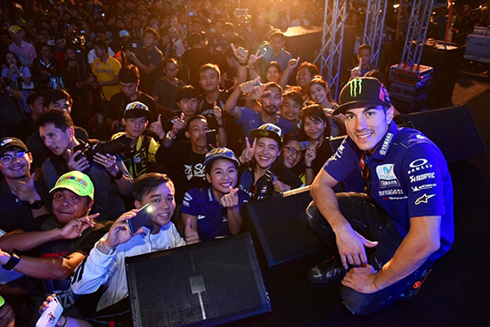 วาเลนติโน่ รอสซี่,มูวิสตาร์ ยามาฮ่า โมโตจีพี,รอสซี่ ถึงไทย,โมโตจีพี,โยฮัน ซาโก้,มาเวริค บีญาเลส,Valentino Rossi,Rossi,vr46,Rossi vr46,vr46 Valentino Rossi,PTT Thailand Grand Prix 2018,MotoGp,MotoGp Thailand,MotoGp 2018,MotoGp 2018 Thailand,Thailand MotoGp 2018,The Doctor VR46,Movistar Yamaha MotoGP