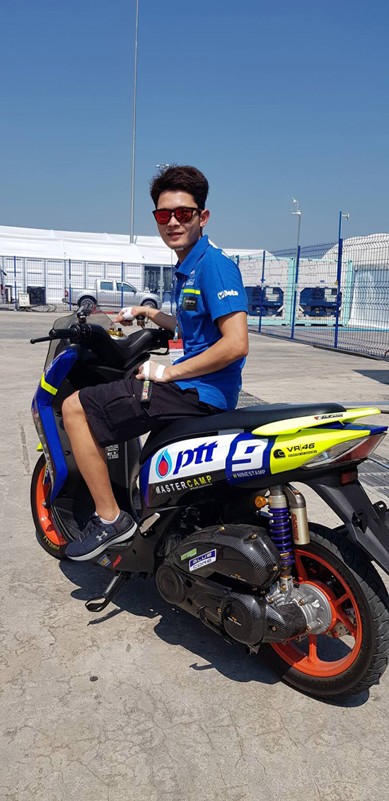 อภิวัฒน์ วงศ์ธนานนท์,VR46 MASTER CAMP,Nine Stamp,วาเลนติโน่ รอสซี่,มูวิสตาร์ ยามาฮ่า โมโตจีพี,รอสซี่ ถึงไทย,โมโตจีพี,Valentino Rossi,Rossi,vr46,Rossi vr46,vr46 Valentino Rossi,PTT Thailand Grand Prix 2018,MotoGp,MotoGp Thailand,MotoGp 2018,MotoGp 2018 Thailand,Thailand MotoGp 2018,The Doctor VR46,Movistar Yamaha MotoGP,สนามช้าง อินเตอร์เนชั่นแนล เซอร์กิต จ.บุรีรัมย์
