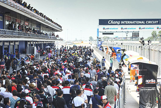 Marquez,อันเดรีย โดวิซิโอโซ,พีทีที ไทยแลนด์ กรังด์ปรีซ์ 2018,วาเลนติโน่ รอสซี่,มูวิสตาร์ ยามาฮ่า โมโตจีพี,รอสซี่ ถึงไทย,โมโตจีพี,Valentino Rossi,Rossi,vr46,Rossi vr46,vr46 Valentino Rossi,PTT Thailand Grand Prix 2018,MotoGp,MotoGp Thailand,MotoGp 2018,MotoGp 2018 Thailand,Thailand MotoGp 2018,The Doctor VR46,Movistar Yamaha MotoGP,สนามช้าง อินเตอร์เนชั่นแนล เซอร์กิต จ.บุรีรัมย์