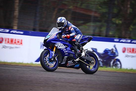โฟลท - รัฐพงษ์ วิไลโรจน์,รัฐพงษ์ วิไลโรจน์,ยามาฮ่า ไทยแลนด์ เรซซิ่งทีม,YZF-R6,SuperSport 600 cc,เอเชีย โร้ด เรซซิ่ง แชมเปี้ยนชิพ 2018 สนาม 5,Asia Road Racing Championship 2018,อนุภาพ ซามูล,พีรพงศ์ บุญเลิศ