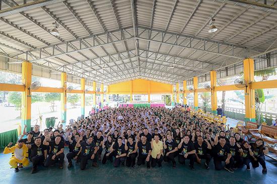 โครงการ Love The Earth School Visit ตอนลดขยะกันเถอะ,โครงการ Love The Earth School Visit,Love The Earth School Visit