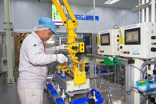 โรงงานผลิตแบตเตอรี่รถยนต์ไฮบริด,โรงงานโตโยต้า เกตเวย์,แบตเตอรี่รถยนต์ไฮบริด,โรงงานผลิตแบตเตอรี่รถยนต์ไฮบริด โตโยต้า,โตโยต้าเปิดสายการผลิตแบตเตอรี่รถยนต์ไฮบริด,รถยนต์ไฮบริด