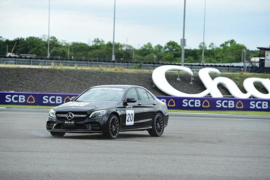AMG Driving Academy,AMG Driving Academy สนามช้าง,เมอร์เซเดส-เอเอ็มจี,Bernd Schneider,Mercedes-AMG,ทดลองขับ Mercedes-AMG,เบิร์น ชไนเดอร์,Mercedes-AMG C 63 S Coupe,ขับรถในสนามช้าง อินเตอร์เนชั่นแนล เซอร์กิต,เอเอ็มจี ไดรฟ์วิ่ง อะคาเดมี,รีวิว Mercedes-AMG