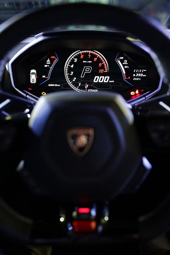 เรนาสโซ มอเตอร์,ลัมโบร์กินี ฮูราแคน อีโว เรียวีลไดร์ฟ,Lamborghini Huracan EVO RWD,Huracan EVO RWD,Lamborghini Huracan EVO,Lamborghini Huracan,Huracan EVO,Lamborghini Huracan ใหม่,ลัมโบร์กินี รุ่นใหม่,ลัมโบร์กินี ฮูราแคน อีโว,ราคา Lamborghini Huracan EVO RWD