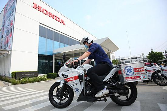 กองทุนฮอนด้าเคียงข้างไทย,เตียงเคลื่อนย้ายผู้ป่วยติดเชื้อแบบแรงดันลบ,รถจักรยานยนต์พยาบาลฮอนด้า,โควิด-19,covid-19,covid19,มูลนิธิฮอนด้าประเทศไทย,Motorlance