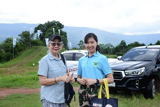 โรงเรียนพัฒนาทักษะการขับขี่รถขับเคลื่อนสี่ล้อ หรือ Spirit of the 4x4 Driving School โดย สุกานดา ปภัสร์พงษ์ ผู้อำนวยการฯ ได้รับเกียรติจาก รักสุดา มามะ ผู้ช่วยหัวหน้าอุทยานแห่งชาติเขาใหญ่ นำทีมเจ้าหน้าที่เข้ารับการฝึกอบรมขั้นพื้นฐาน การขับรถขับเคลื่อนสี่ล้อ เพื่อนำความรู้ไปใช้ในการปฏิบัติหน้าที่พิทักษ์รักษาผืนป่ามรดกโลก โดยบริษัท เอ็มจี เซลส์ (ประเทศไทย) จำกัด ได้เอื้อเฟื้อรถ MG EXTENDER ให้ใช้ฝึกฝนครั้งนี้ ณ สนาม Spirit Adventure Ground จ. นครนายก