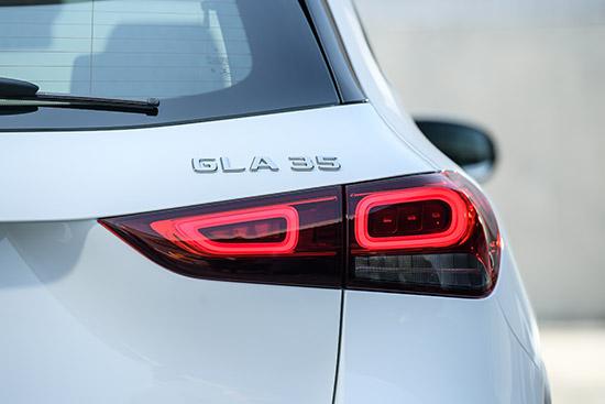 Mercedes-AMG GLA 35 4MATIC,Mercedes-AMG GLA35 4MATIC,GLA35,Mercedes-AMG GLA35,ราคา Mercedes-AMG GLA35,รีวิว Mercedes-AMG GLA35,AMG GLA35,ราคา AMG GLA35,Mercedes-AMG GLA 35 4MATIC review