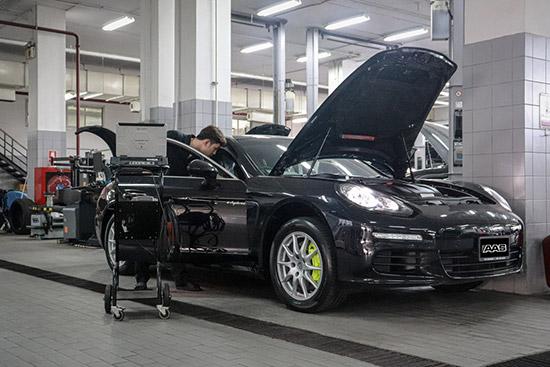 Porsche Panamera Service Clinic 2021,Porsche Panamera Service Clinic,ตรวจเช็ครถ Porsche,ศูนย์บริการปอร์เช่ดอนเมือง,Porsche Centre Bangkok,ศูนย์บริการปอร์เช่พัฒนาการ,Porsche Centre Pattanakarn