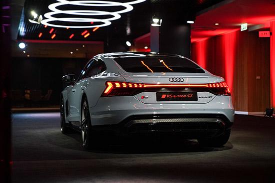 The New Audi e-tron GT,Audi e-tron GT,2021 The New Audi e-tron GT,Audi e-tron GT ใหม่,,Audi e-tron GT quattro,e-tron GT quattro Performance,RS e-tron GT quattro,e-tron GT quattro,Audi RS e-tron GT quattro,ราคา Audi e-tron GT