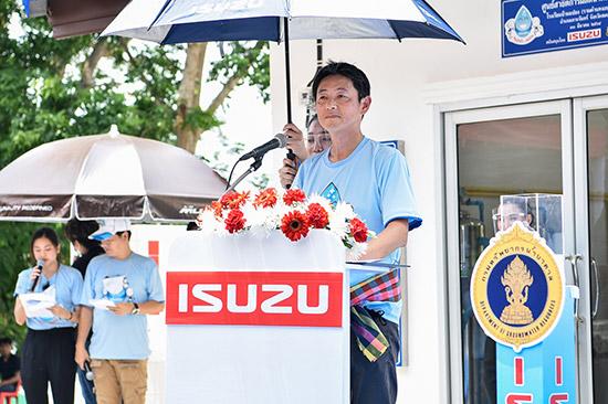 อีซูซุให้น้ำ เพื่อชีวิต,อีซูซุให้น้ำ,โรงเรียนบ้านแปลง,โรงเรียนบ้านแปลง รามคำแหงอนุสรณ์ 7