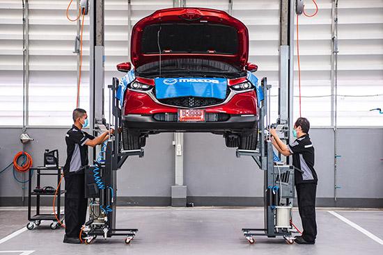 ศูนย์บริการ FAST SERVICE,Mazda FAST SERVICE,ตรวจเช็กตามระยะแบบเร่งด่วนภายใน 30 นาที,มาสด้า FAST SERVICE,ช่องซ่อมแบบเร่งด่วน,เช็กระยะเร่งด่วน,เช็กระยะเร่งด่วน 30 นาที